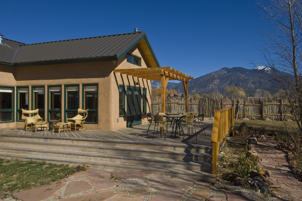 07 south deck with Taos Mountain view