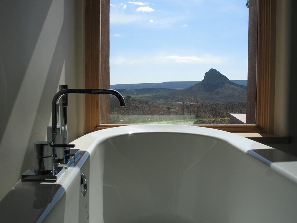 09 modern bath with a view