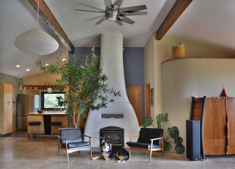 Casa Fresen fireplace