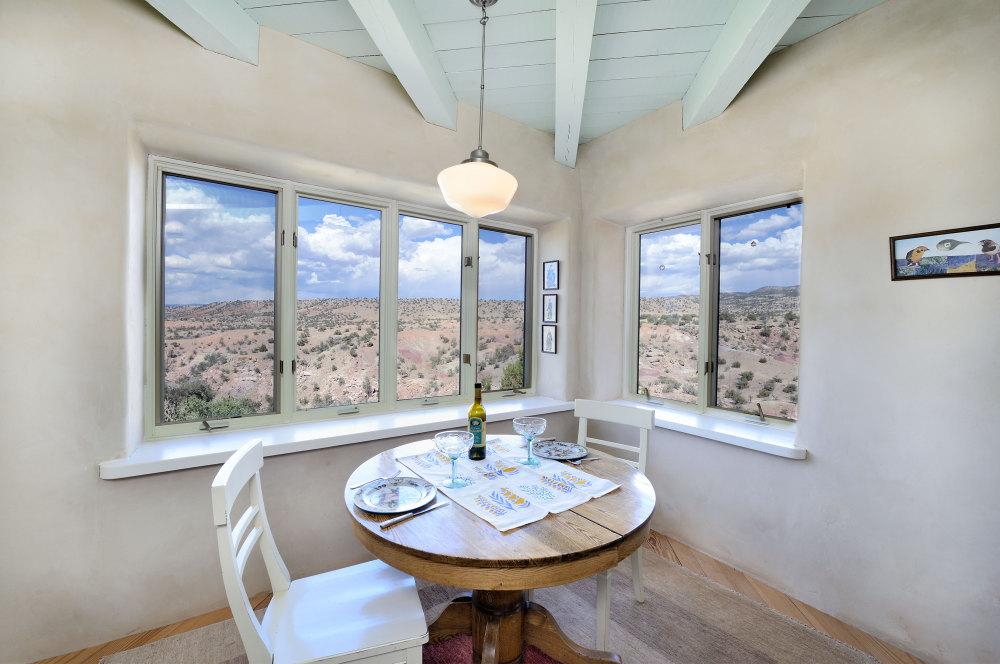 Breakfast nook with big view