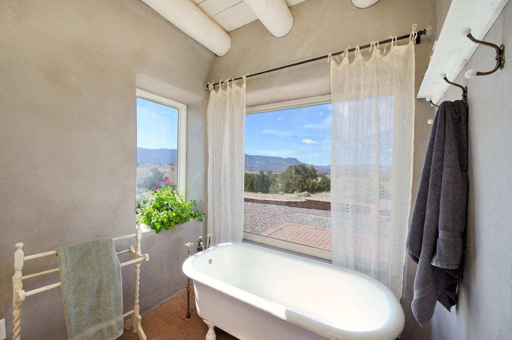 bath with a view in Abiquiu, NM